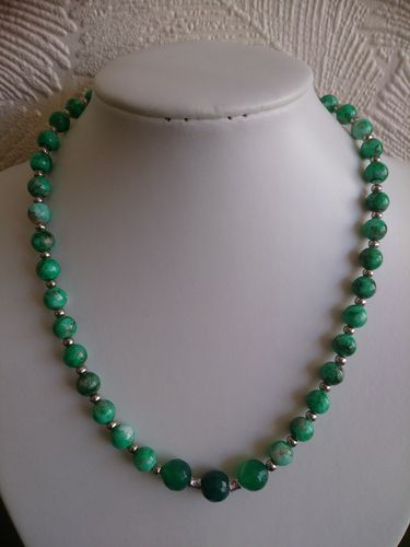 Grass Green Beaded Necklace - Glass and Agate